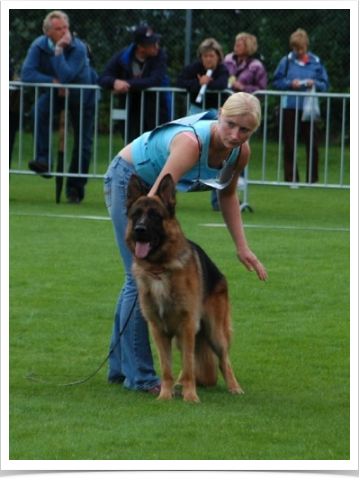 Sandy & Yetie at German Sieger Show
